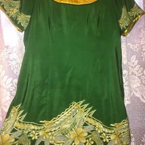 Green and gold two piece Polynesian dress💚